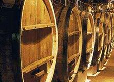 Снять жильё в Коктебеле у моря и посетить местный винный завод — что может быть увлекательнее?